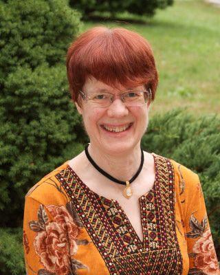 Linda Poland headshot