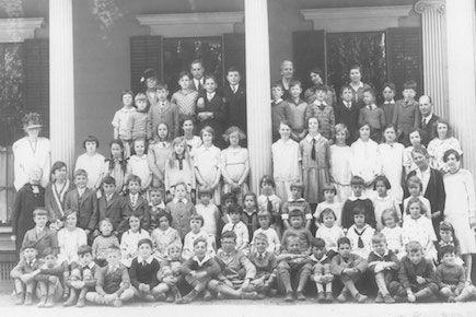 Students attending the Hewins School in 1925.