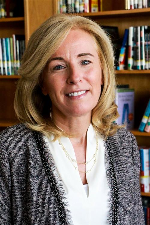 Kathy Odomirok Hoffman headshot